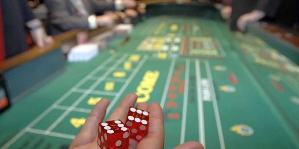 The major difference between Online Poker and Live Poker